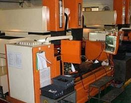 27 Máquinas de Electroerosión