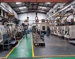 6 Centros de mecanizado CNC de alta velocidad,donde se acaban las piezas después de templado